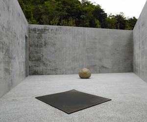 Lee Ufan Installations