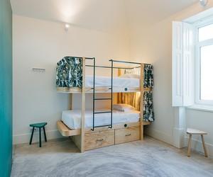 Aurora Arquitectos Designs Get Inn Hostel