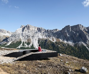 Viewpoint In Dolomites / Messner Architects