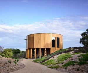 St Andrews Beach House / Austin Maynard
