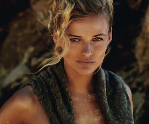 Edita Vilkeviciute / Gilles Bensimon (Vogue)