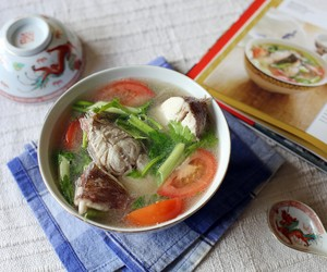 Fish Soup with Lemongrass