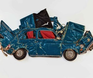 """Flattened Fiats"" – Cars crushed into Sculptures"