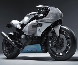 PRAEM Converts Honda RC-51 into Modern SP3 bike