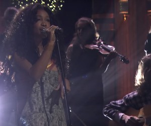 "SZA - ""Supermodel"" Live @ Jimmy Fallon"