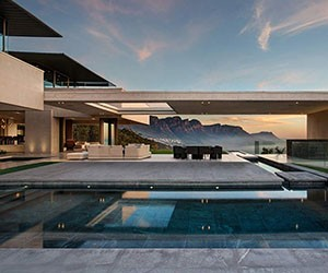 Massive Seaside Retreat by SAOTA Architects