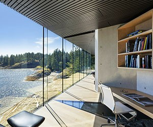 An Oceanfront Frontier Home near Vancouver