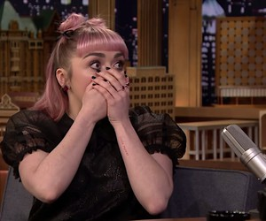 Maisie Williams trolls Fans about GoT