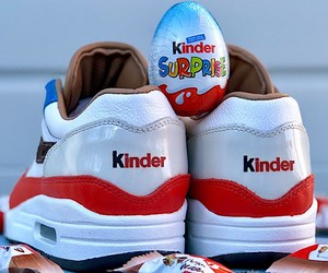 Air Max 1 in the look of Kinder Bueno