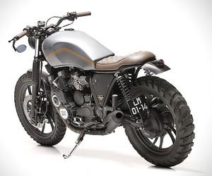 Yamaha XJ750 Custom