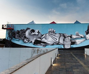 The surrealistic wall paintings by Claudio Ethos