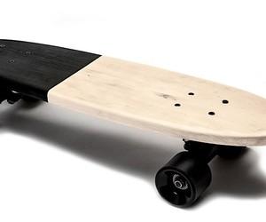 Minimalistic cruiser skateboard