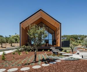 House in Ourém by Filipe Saraiva, Portugal