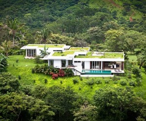 ISOLATED TROPICAL VILLA in COSTA RICA