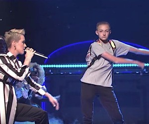 Backpack Kid steals Katy Perry's show