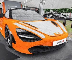 McLaren goes Lego