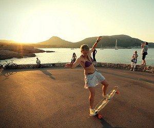 Longboard Girls Crew: Endless Roads 2 – The Island