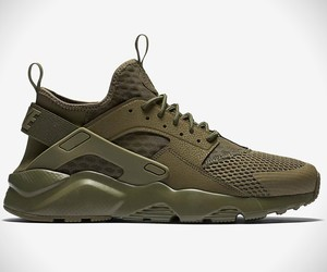 Nike Air Huarache Run Olive Green