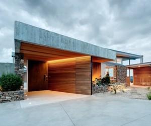 OKURA HOUSE BY BOSSLEY ARCHITECTS
