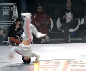 Six-year-old breakdancing girl wins competition