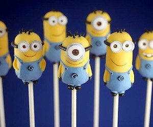 Sugar Sweet Mini Minions Cake Pops