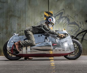 "VTR Customs' BMW Motorrad ""Spitfire"" Monster"