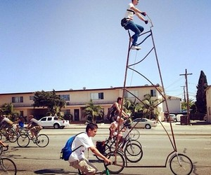 Biking: STOOPIDTALL – A 4,5 m tall Bicycle