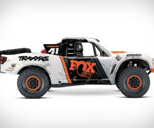 Traxxas Unlimited RC Desert Racer