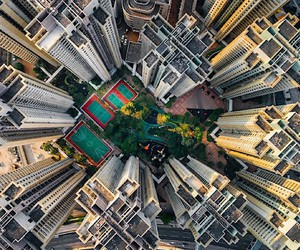 Dizzying abysses in Hong Kong