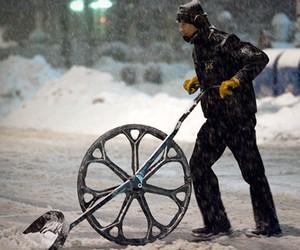 Snow Wolf | Wheeled Snow Shovel