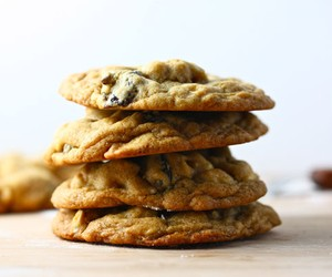 White Chocolate Chip Cookies with Cashews