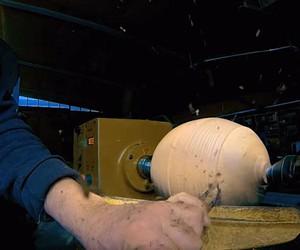 FRANK HOWARTH MAKES A BILLARD BALL FROM A WOODEN